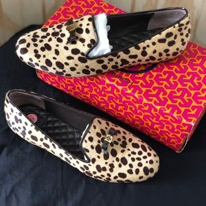 73697c969665 Tory Burch Shoes - Tory Burch Cheetah print loafers 💕
